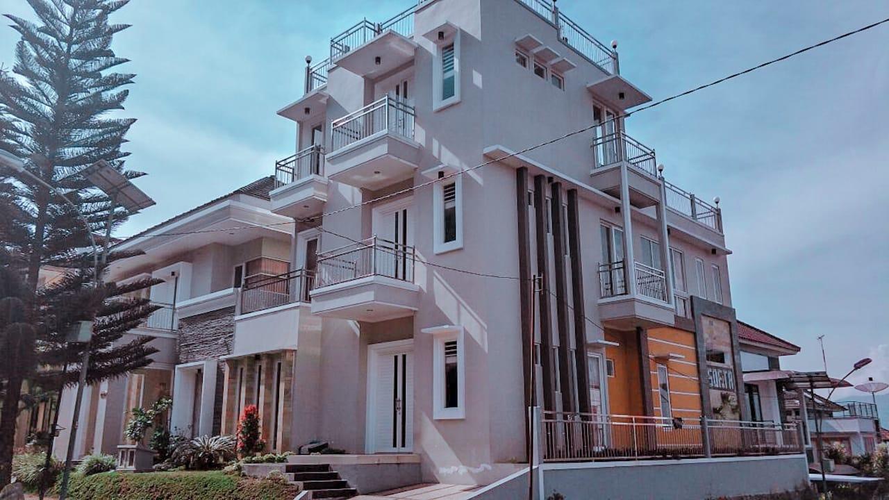 Villa Batu Malang dengan View Bagus 9